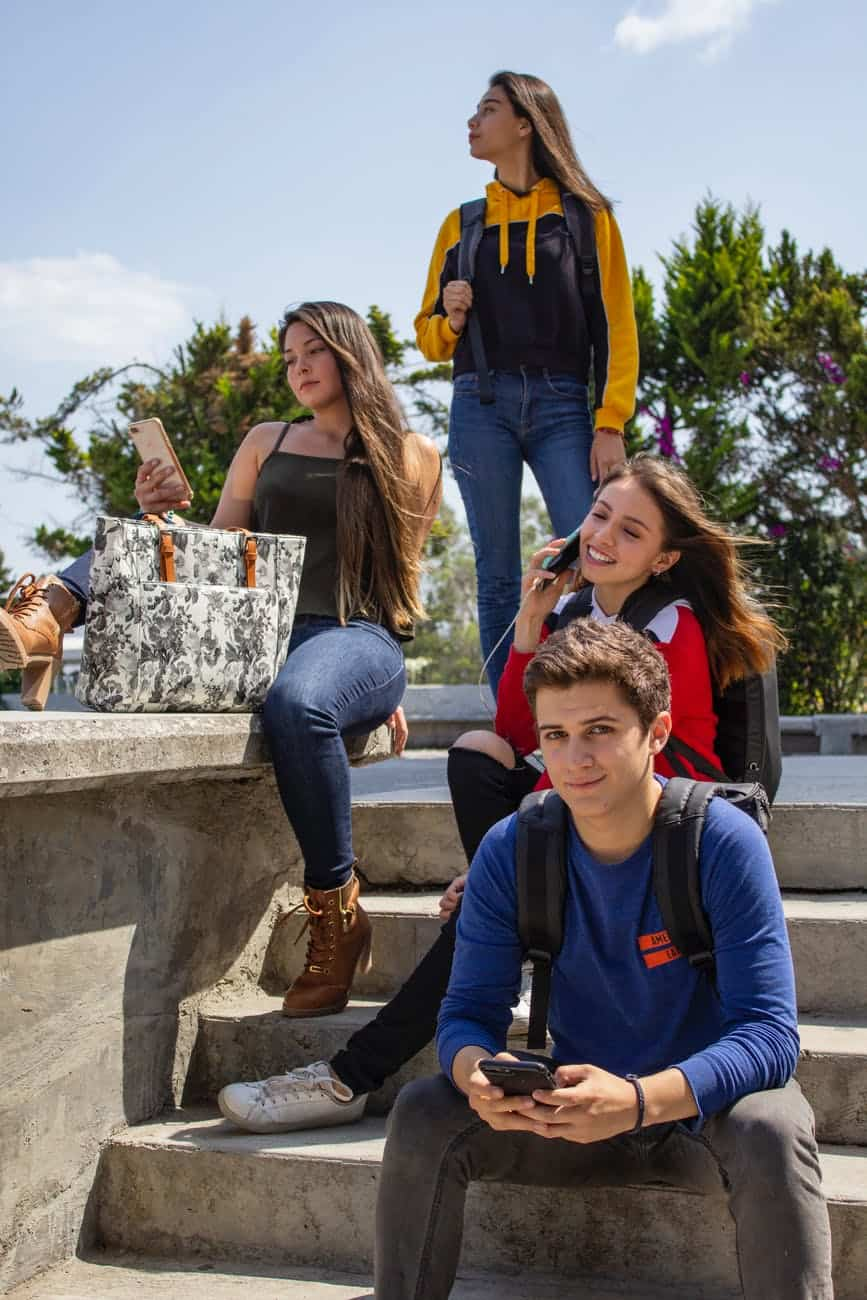 How Should Parents Deal With The Teenagers?